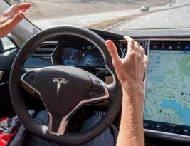 Zápisky z budúcnosti 4: Robotika, samoriadiace autá a elektromobily